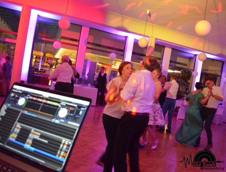 DJ buchen Geburtstag/ Familienfeier