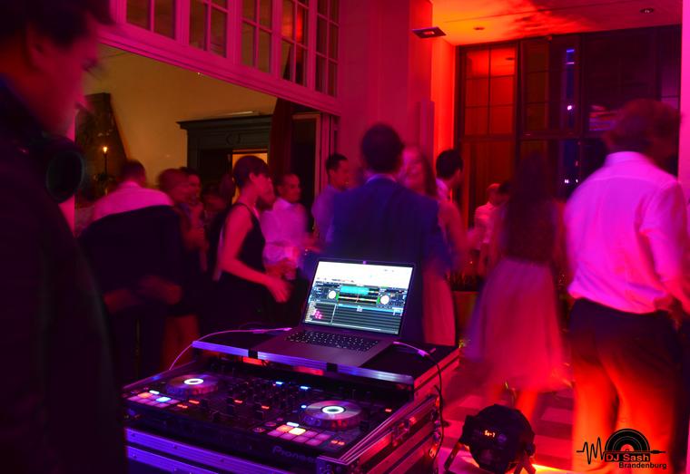 Party DJ Burg